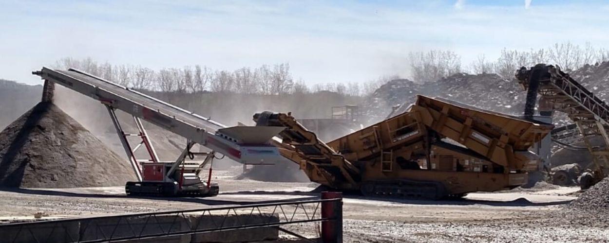 aggregate material dumping